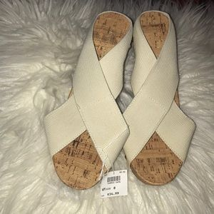 NWT cream wedges
